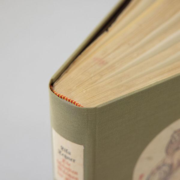 Buchrücken Buch gebunden