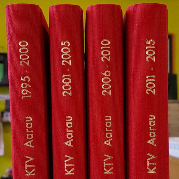 Jahresprotokolle Buch gebunden